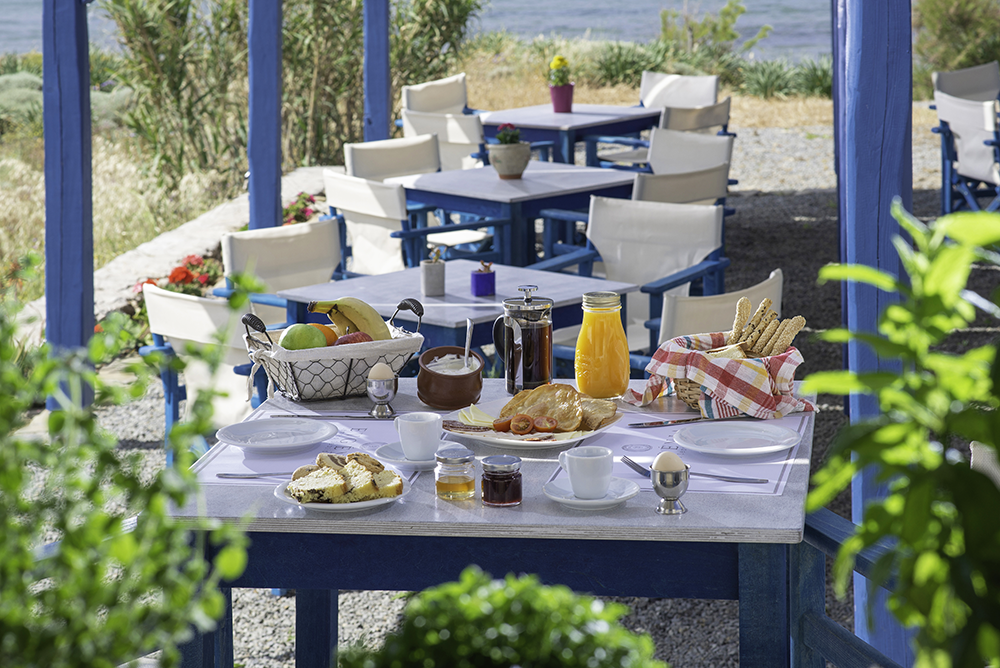 A HEARTY TRADITIONAL GREEK BREAKFAST